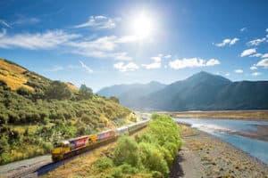 zug neuseeland urlaubsreise mietwagenreise gruppenreisen individualurlaub uxusreise deutsch geführt fahrer reiseleiter neuseelandurlaub rundreise spezialist experte auckland