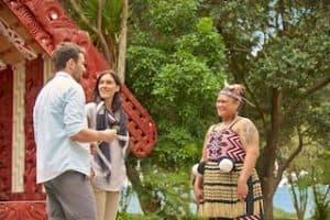 Waitangi Maori Kultur Neuseeland Urlaub Gruppenreise Mietwagenreise eigene Faust Paihia Individualreise Luxusreise Golf tour deutschsprachig geführt Neuseeland