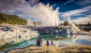 neuseeland rundreise heisse quellen mietwagen individualurlaub studienreise paarurlaub gruppenreise angebote