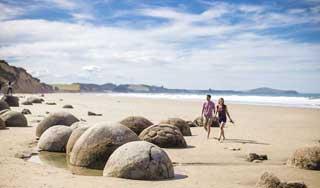 neuseeland rundreise moeraki hochzeitsreise gruppenreisen neuseelandreise individualreise mietwagen paarurlaub luxusreise
