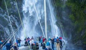 neuseeland milford sound rundreise wasserfall luxusreise individuell erlebnisreise neuseelandreise rundreisen selbstfahrer