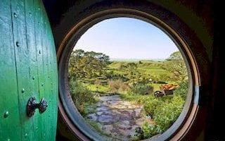 Hobbiton Auckland Tagestour Drehort Hobbingen Neuseeland Rundreise Spezialist deutschsprachig