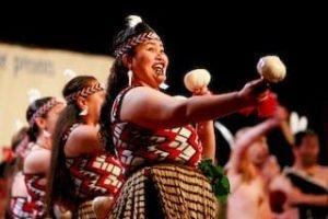 Maori-Kultur-Neuseeland-Haka-Nordinsel-Taranaki-Geschichte-Neuseelandtouren-Mietwagenrundreisen-selbstfahrer-kleine-gruppen-deutscher-tourguide_320x240.jpg