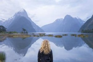Milford Sound Neuseeland urlaub reise UNESCO Naturerbe gruppenreise deutsch Mietwagenreise Individualreise Helikopterflug Luxusurlaub Golfreise Privat geführte touren deutsch Neuseelandurlaub